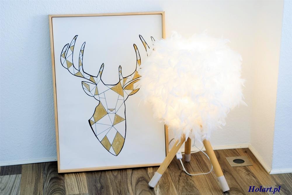 lampa stołowa z modnym trójnogiem i kloszem z piór,diy